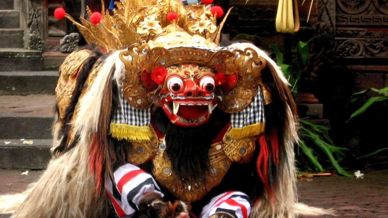 He is the king of the spirits, leader of the hosts of good, and enemy of Rangda, the demon queen and mother of all spirit guarders in the traditions of Bali. The battle between Barong and Rangda is featured in the Barong dance to represent the eternal battle between good and evil.