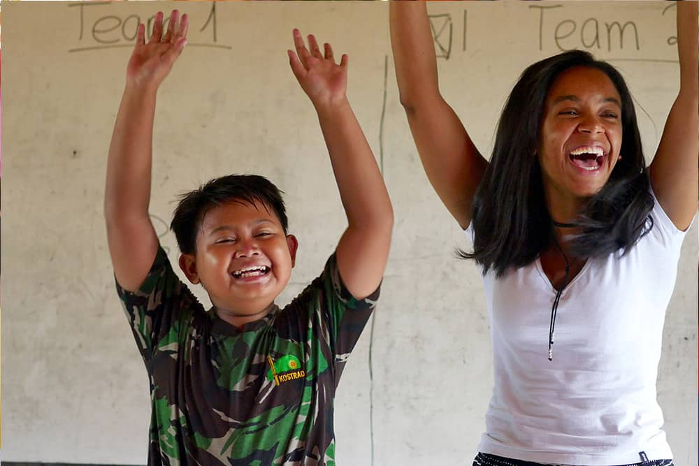 volunteer programs Bali, free English classes for underprivileged children in Bali.