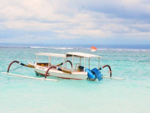 Gili Island is know for their beautiful beaches and perfect to relax.