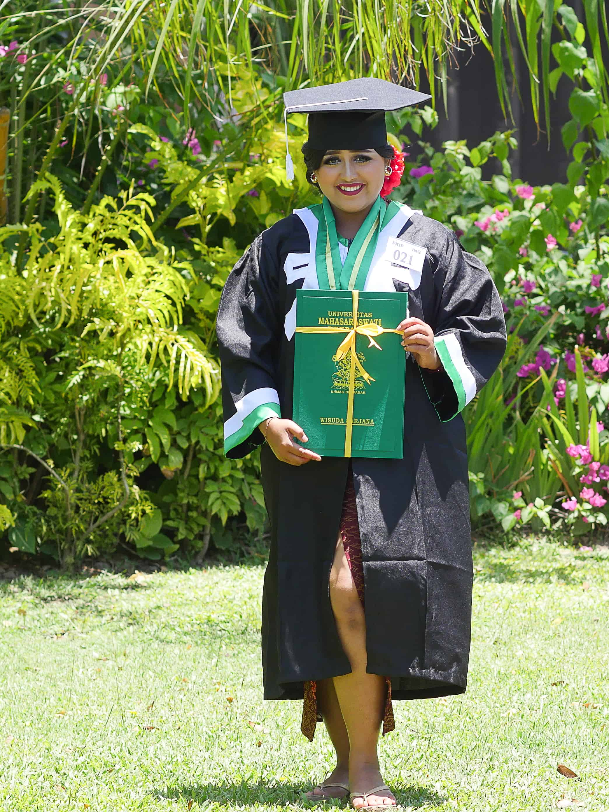 Tutik's Graduation