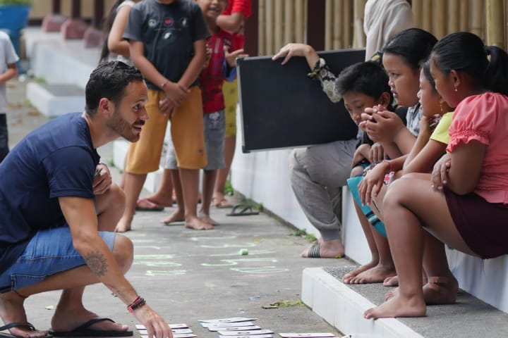 Volunteer abroad and help the children of Bali.